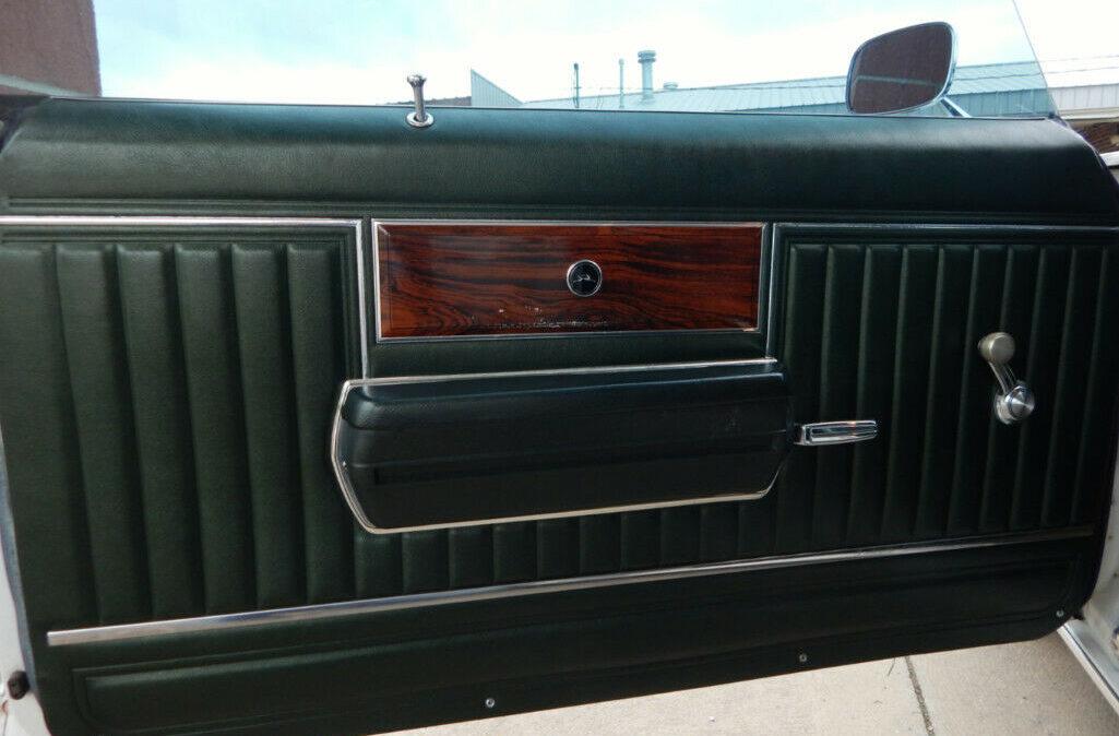 1969 Chevrolet Impala Custom11