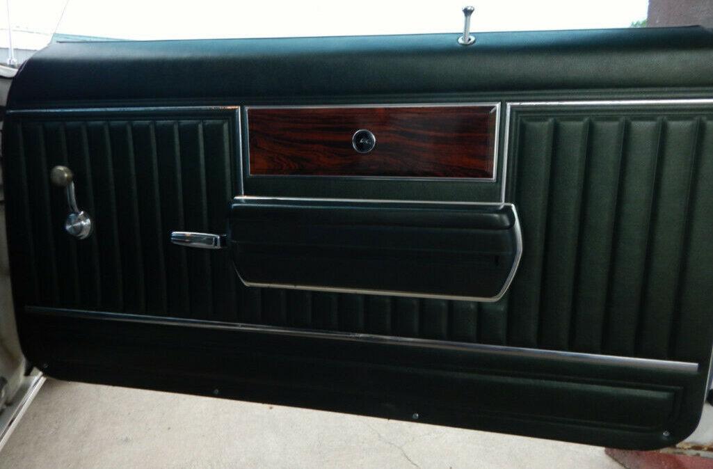 1969 Chevrolet Impala Custom12