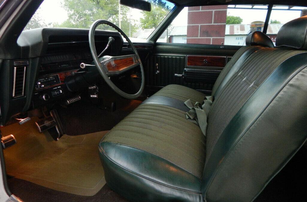 1969 Chevrolet Impala Custom9