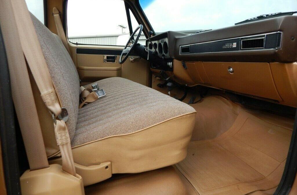1986-Chevrolet-CK-Picku-8