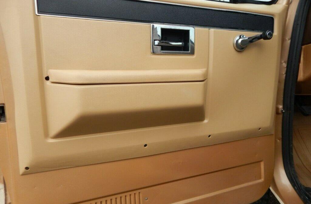 1986-Chevrolet-CK-Picku-9