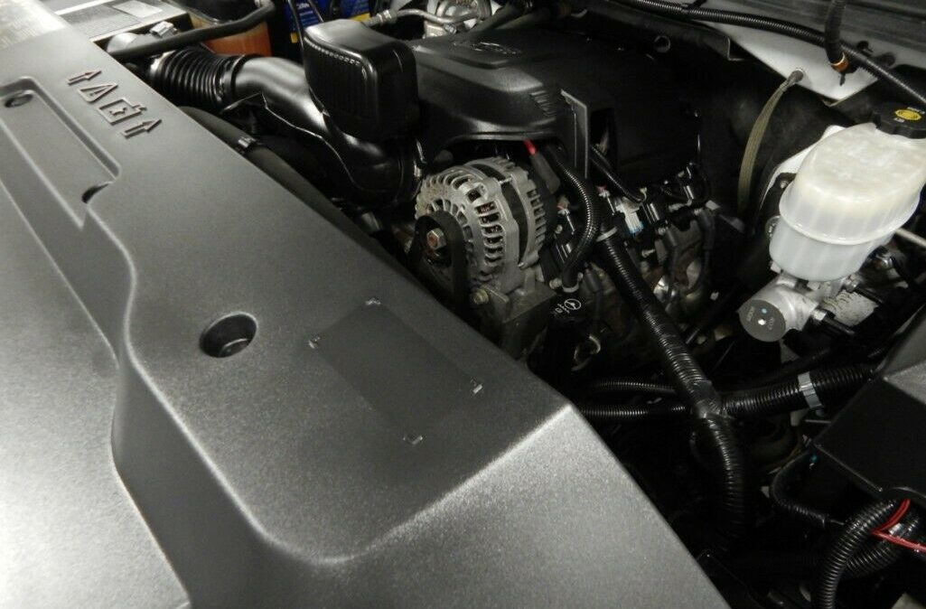 2011-Chevrolet-C-K-Pickup-2500-Silverado-014