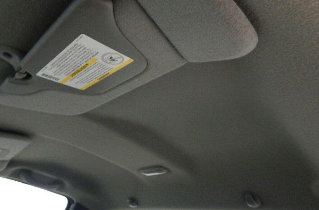 2001-Chevrolet-C-K-Pickup-3500-Silverado-011