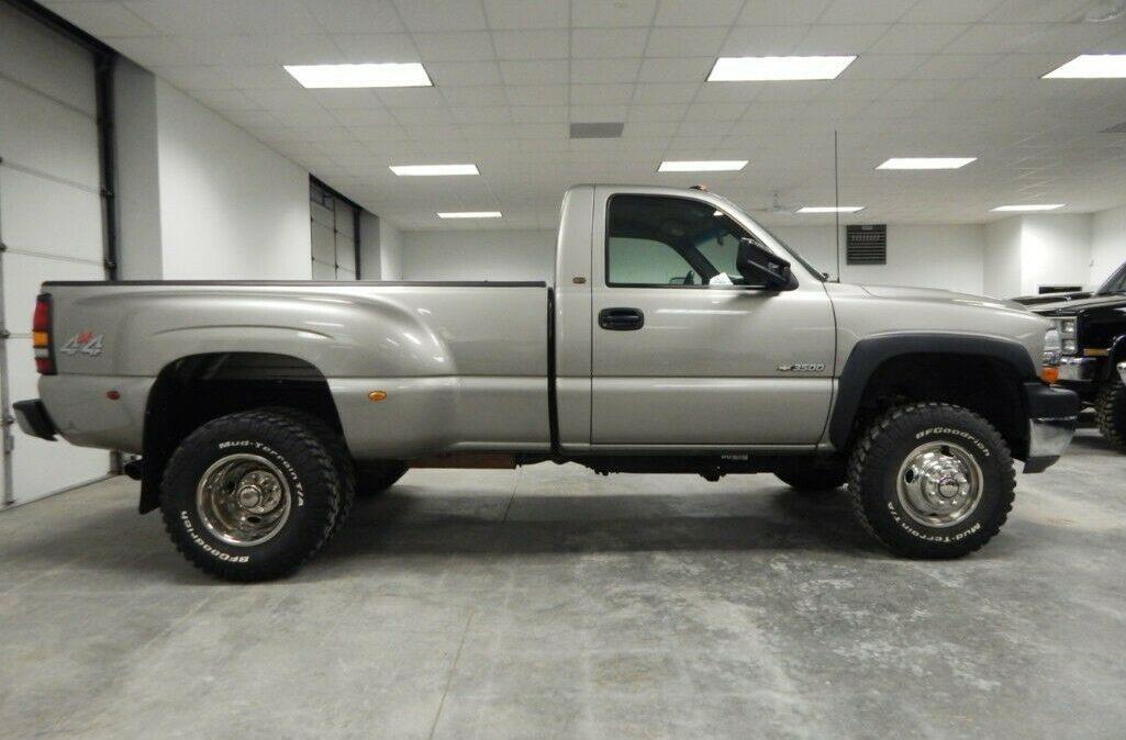 2001-Chevrolet-C-K-Pickup-3500-Silverado-05