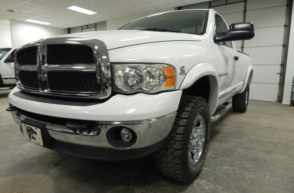 2003-Dodge-Ram-2500-SLT-01