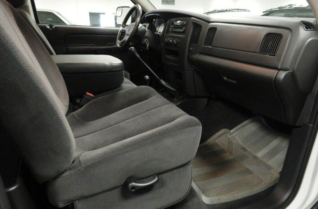 2003-Dodge-Ram-2500-SLT-08