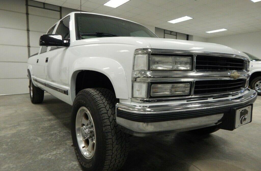 2000-Chevrolet-C-K-Pickup-2500-04
