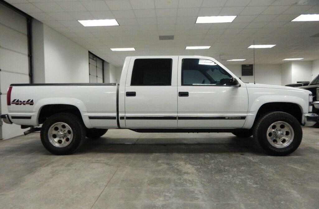 2000-Chevrolet-C-K-Pickup-2500-05