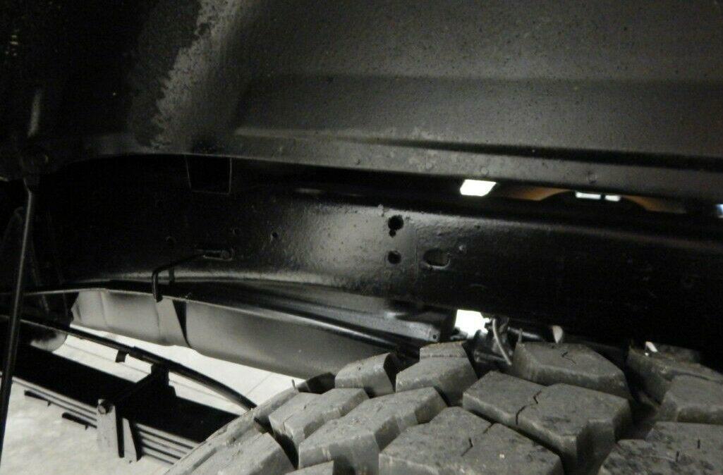 1998-Chevrolet-C-K-Pickup-2500-018