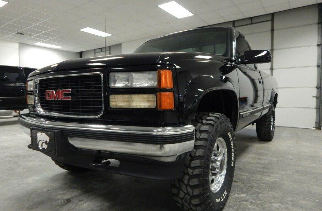1998-Chevrolet-C-K-Pickup-2500-02