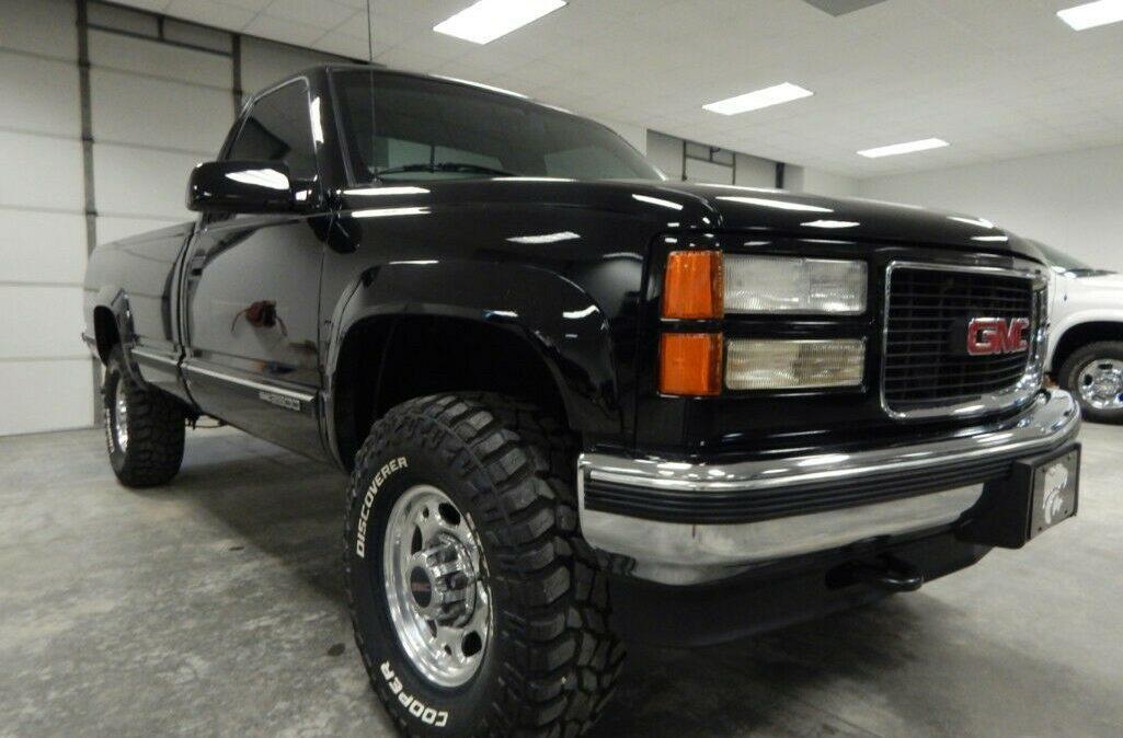 1998-Chevrolet-C-K-Pickup-2500-05