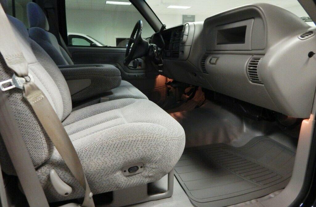1998-Chevrolet-C-K-Pickup-2500-09