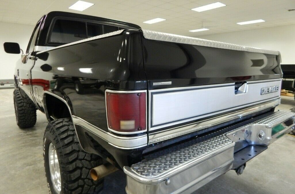 1987-Chevrolet-C-K-Pickup-1500-Silverado-03