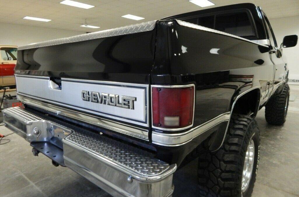 1987-Chevrolet-C-K-Pickup-1500-Silverado-06