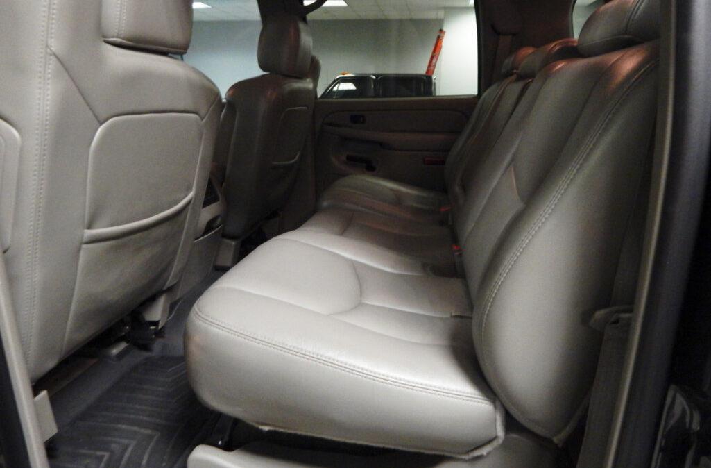 2005 Chevrolet Suburban 2500 (11)