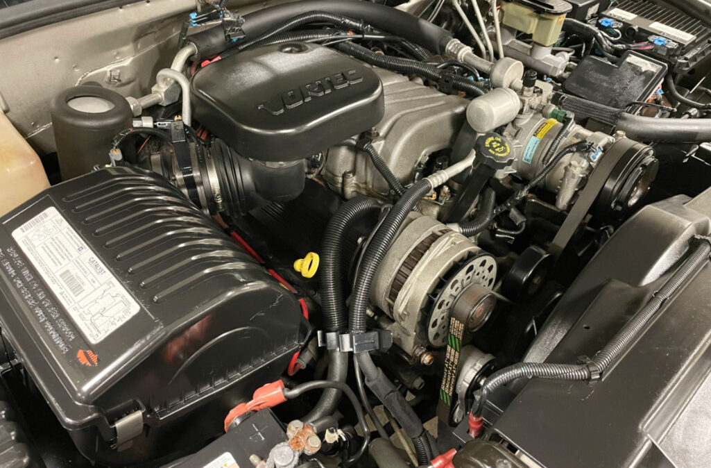 1999 GMC Suburban 2500 (16)