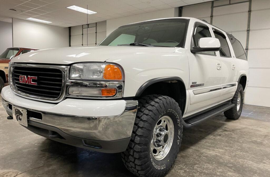 2001 GMC Suburban 2500 (1)