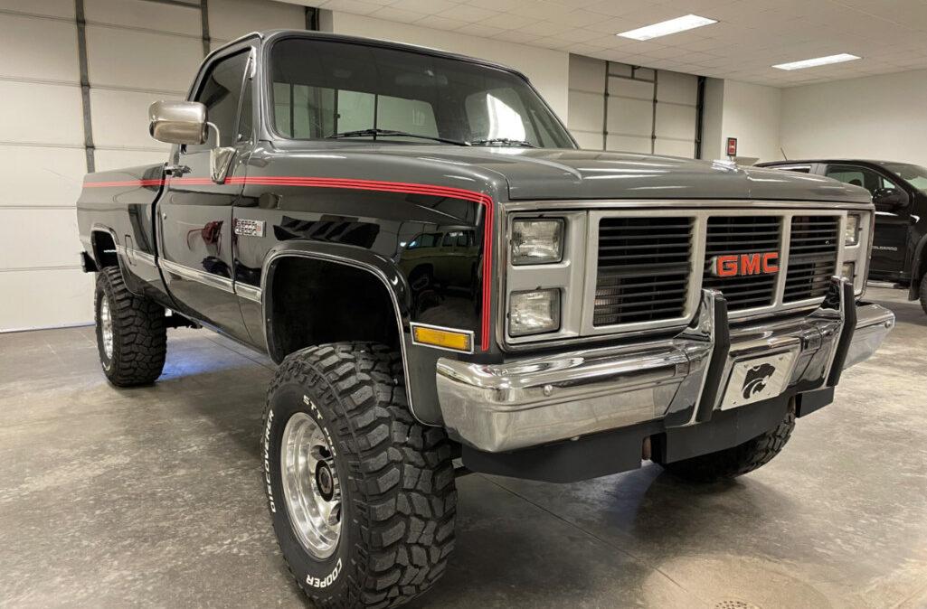 1987 GMC K20 (4)